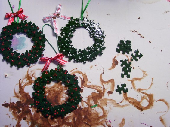 puzzle piece wreath
